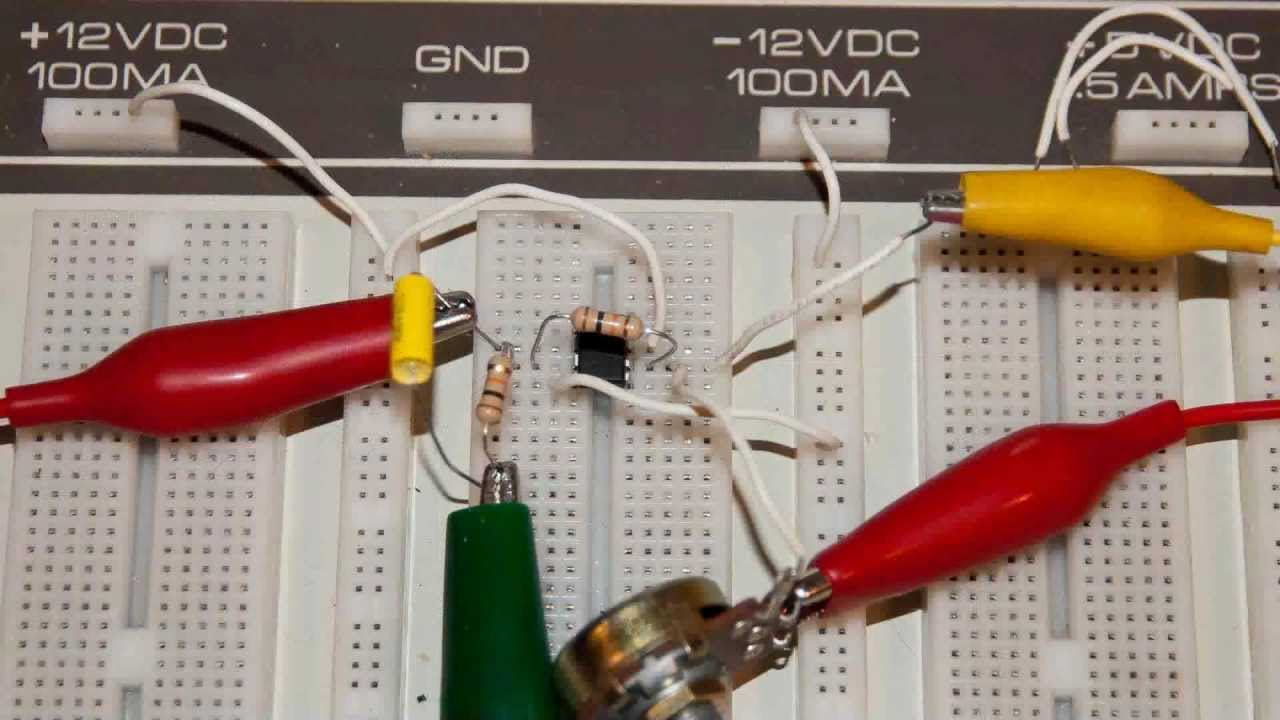 741 Op Amp Demo Circuits Youtube Supply Bias Level At Ac The Circuit Looks Like Your Basic Inverting