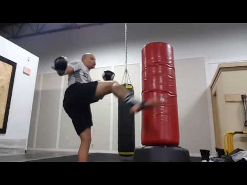 freestyle bag drill. kickboxing for fun, style, and creativity.