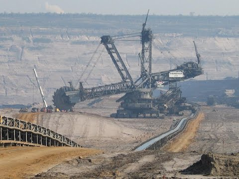 Monster Bagger 293 - The Biggest Bucket Wheel Excavator