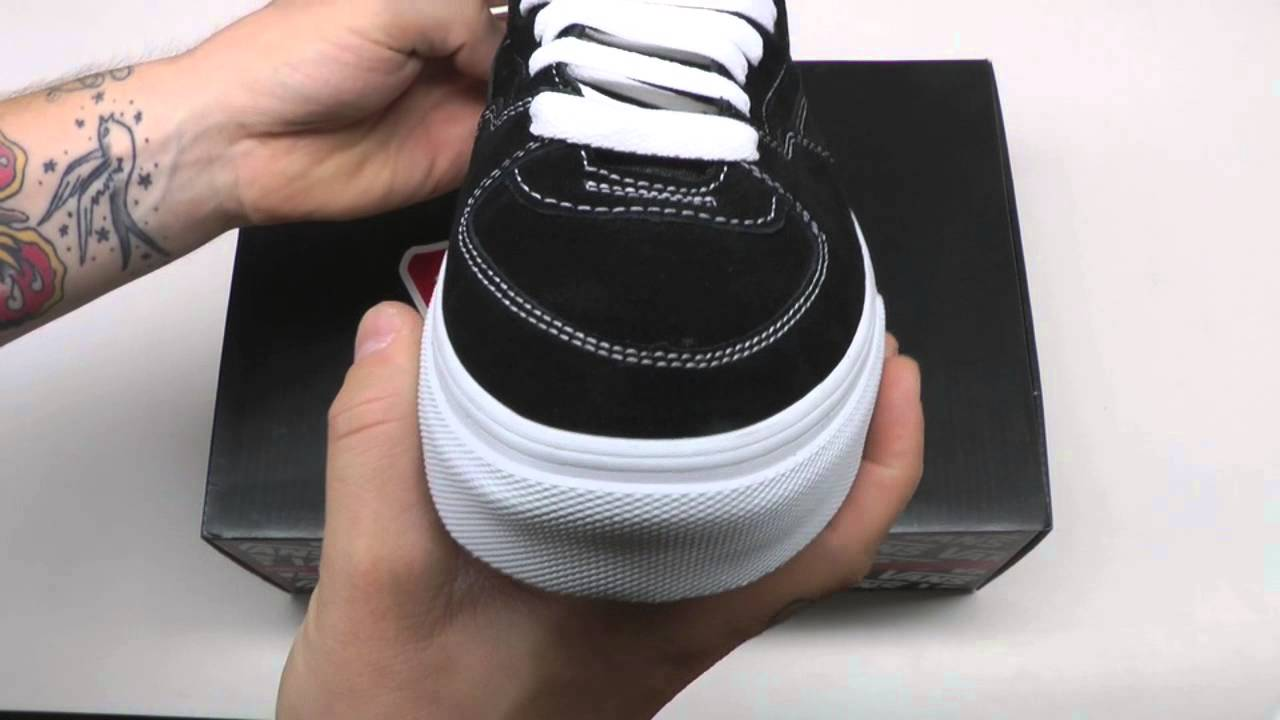 06d4b72adf MOVESHOP VANS HALF CAB BLACK WHITE - YouTube