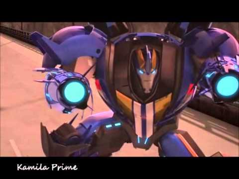 Transformers Prime - Optimus,Bumblebee and Smokescreen vs. Decepticons