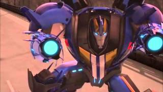 Transformers Prime - Optimus,Bumblebee and Smokescreen vs. Decepticons