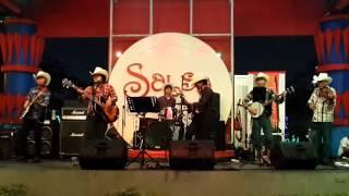 D'Country Band covering Iwan Fals - Umar Bakri