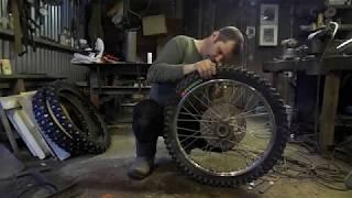 Lifan 200 снимаю резину шиповку  одеваю кроссовую-- готовлюсь к мотосезону