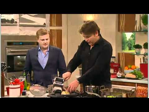 James Martin cooks Roast Beef and Yorkshire Pudding for Aled Jones 24th Mar 2012
