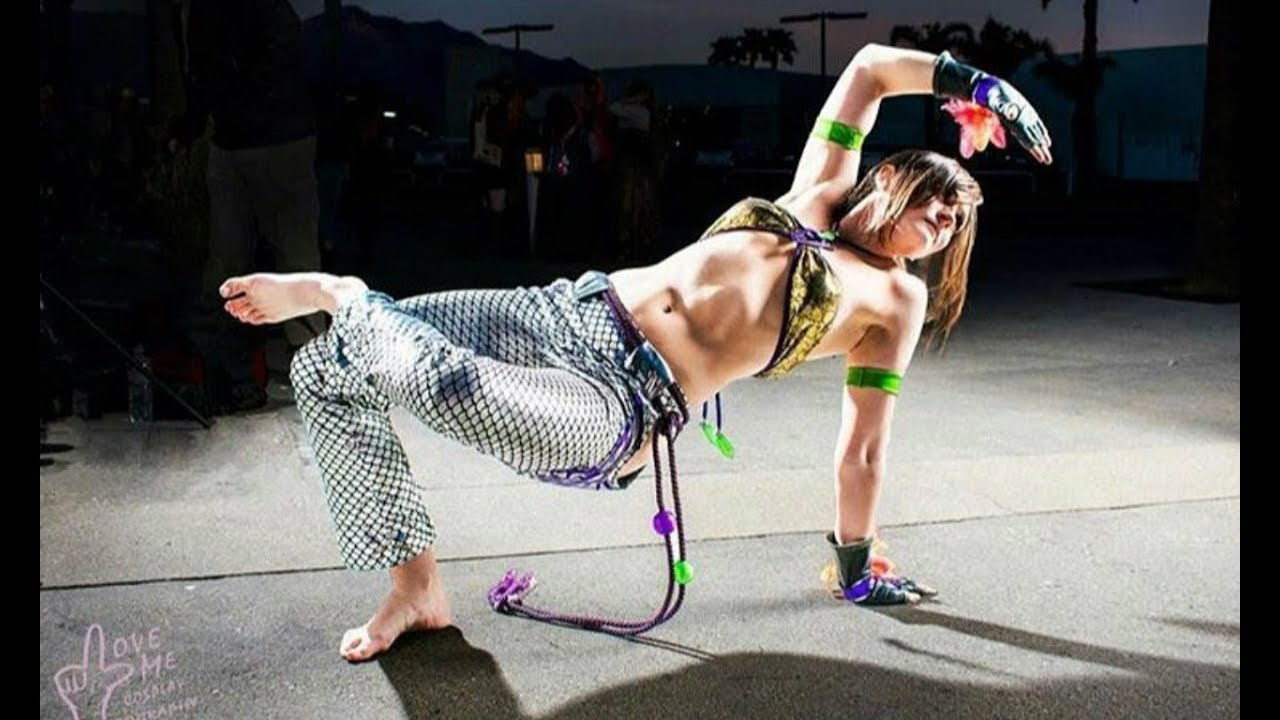 Female Capoeira Artists - Capoeira Tribute