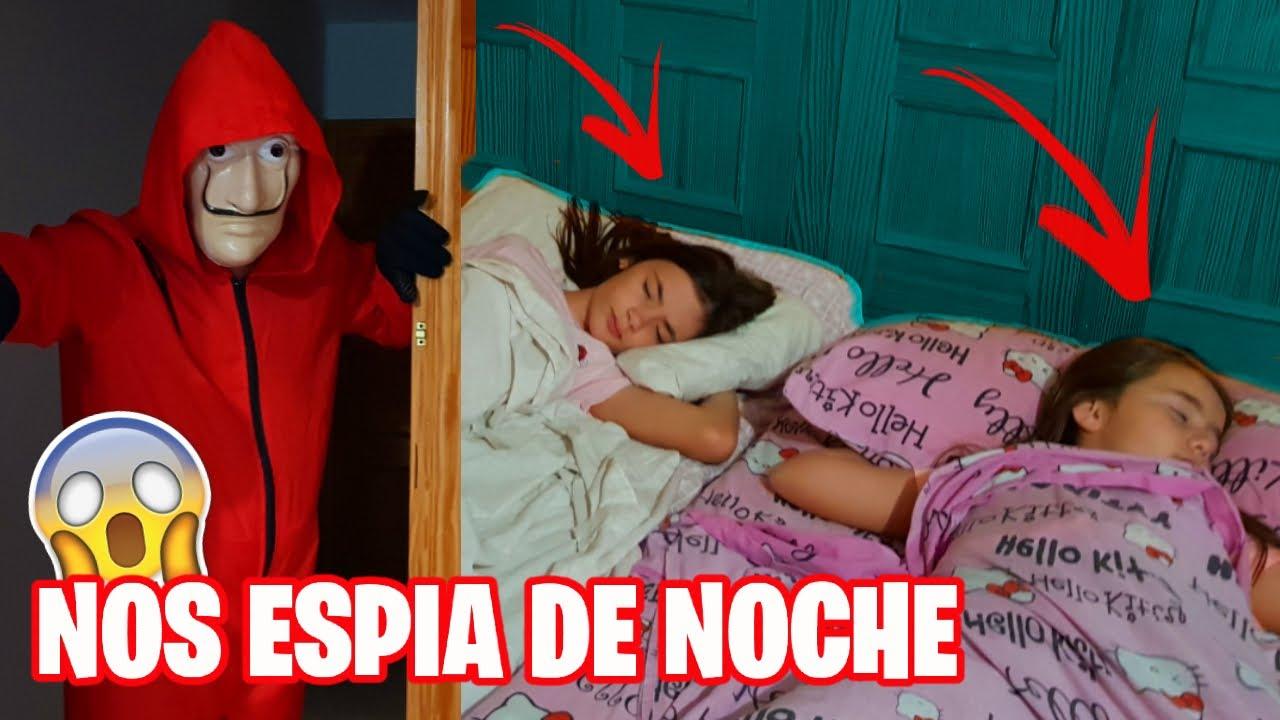 EL HACKER NOS ESPIA DE NOCHE!! 😱 Mientras grabamos RUTINA DE VERANO 🌴 Entra en nuestra casa!!
