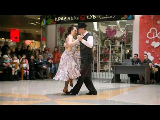Смотреть видео Танго Гладиоусы, сл  В  Шентала, муз  и исп  А  И  Маев на тему Дж  Гершвина, худ  Св  Влади