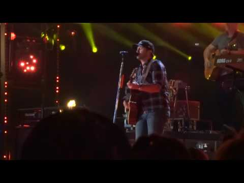 "Luke Bryan sings ""Fast"" live at CMA Fest"