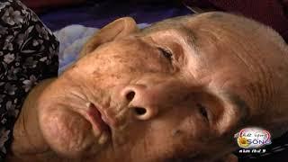 Gánh nặng oằn vai vì mẹ già, chồng bệnh, con đau.