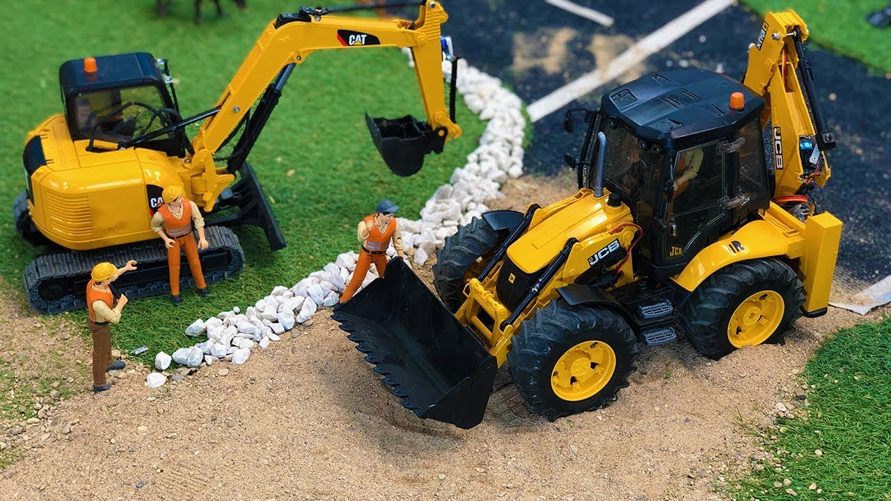 Stunning JCB Backhoe Tractor Excavator Construction Site work, Bruder Toys Truck Video!
