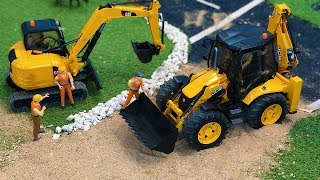 Stunning JCB Backhoe Tractor Excavator Construction Site work, Bruder Toys Truck Video!