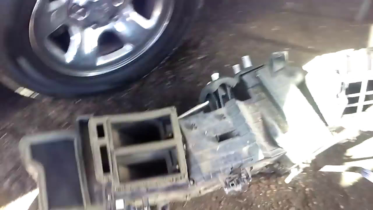 How can you tell if you need a new heater core in a Dodge Ram 1500?
