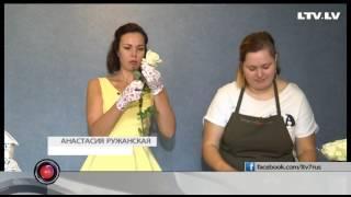 Букет невесты и платья из живых цветов