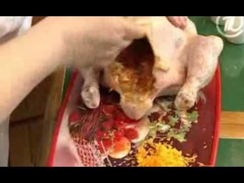 Цыпленок в духовке целиком