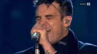 Robbie Williams - Feel (Leeds)