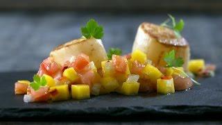 Гребешки с Cальсой из Манго || Простые и Быстрые Рецепты || FOOD TV(Гребешки с Cальсой из Манго || Простые и Быстрые Рецепты || FOOD TV Море, экзотический пляж, прохладный бриз и..., 2014-08-18T08:37:46.000Z)
