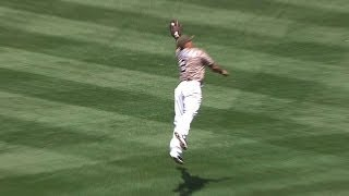 SF@SD: Cabrera makes a leaping catch to rob a hit