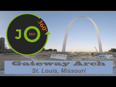 360° 4K Gateway Arch + Mississippi River | St. Louis, Missouri