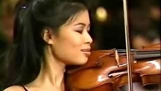 Vanessa-Mae plays Toccata & Fugue