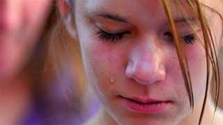 В школе парень унизил 15-летнюю девушку, сорвав с нее бюстгальтер. Вот что сделала ее мать!..
