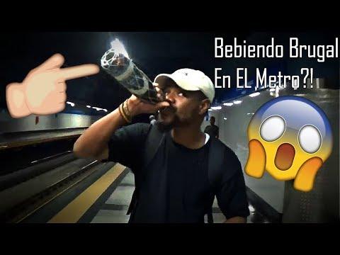 Bebiendo Brugal En El Metro De Santo Domingo