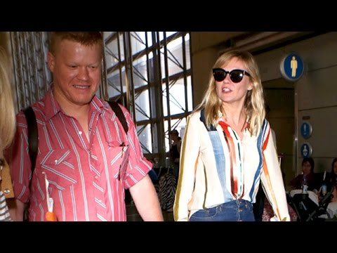 Download Youtube: Engaged Fargo Co-Stars Kirsten Dunst And Jesse Plemons On A Romantic Trip
