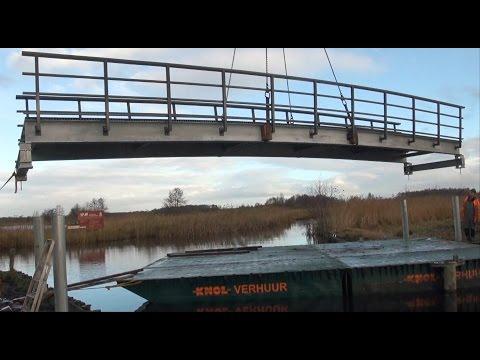 2013 Plaatsen fietsbrug Wanneperveen
