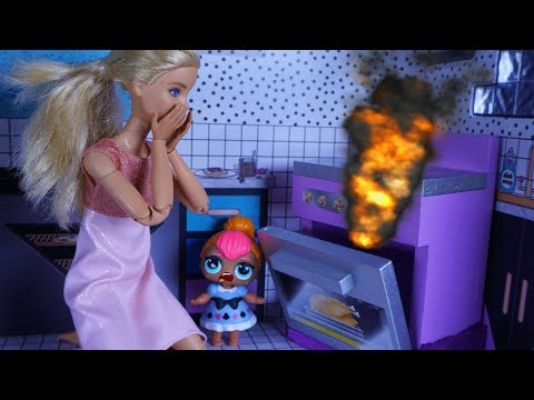 LOL SURPRISE DOLLS Thanksgiving Disaster!