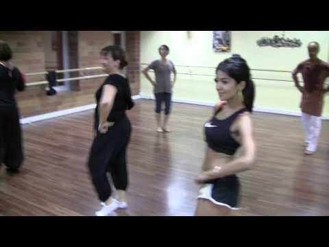 Stage de Bollywood avec Marseille Danse Academy avec Ritmix