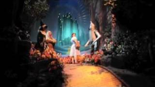 disney smiles wizard of oz from the great movie ride