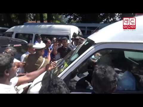 JO protesters block ambulance in Kandy