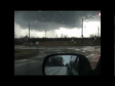 columbiaville tornado chase (actual video of the tornado)