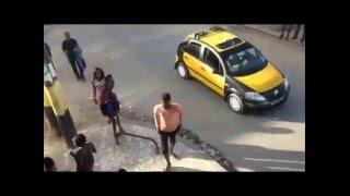 Mahfousse et ses délires : Les  techniques de vol de portable  A mourir de rire