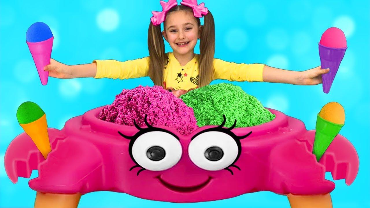 Download Sasha plays Ice Cream Shop with Kinetic Sand Crab Toy