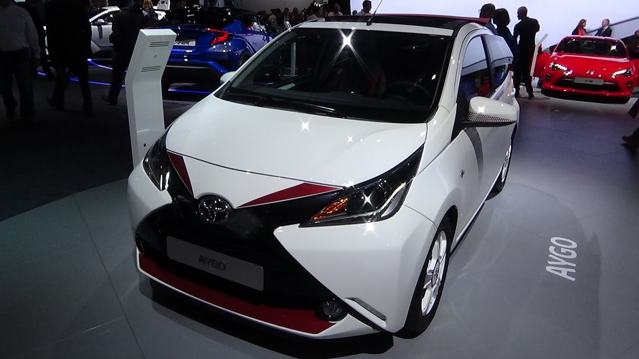 2017 toyota aygo x pose exterior and interior paris auto show 2016 youtube. Black Bedroom Furniture Sets. Home Design Ideas