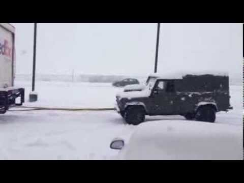 Land Rover rescues Fedex!