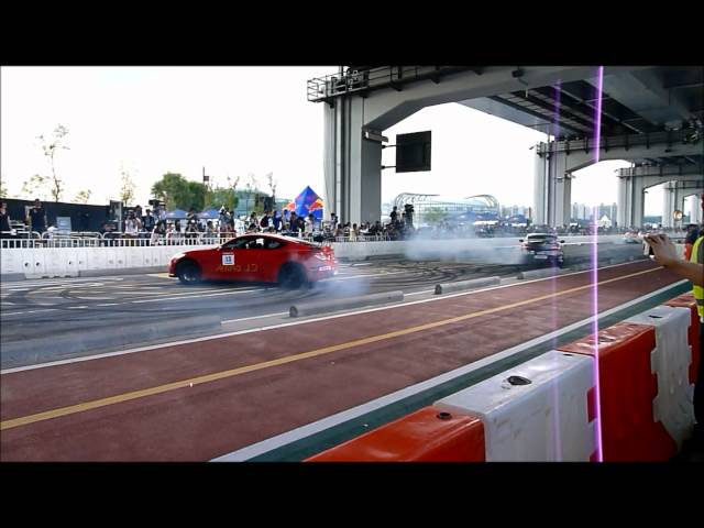 F1 Red Bull Show Run 2012 Seoul, South Korea. Hyundai Genesis Coupe Dual Donut Attempt Travel Video