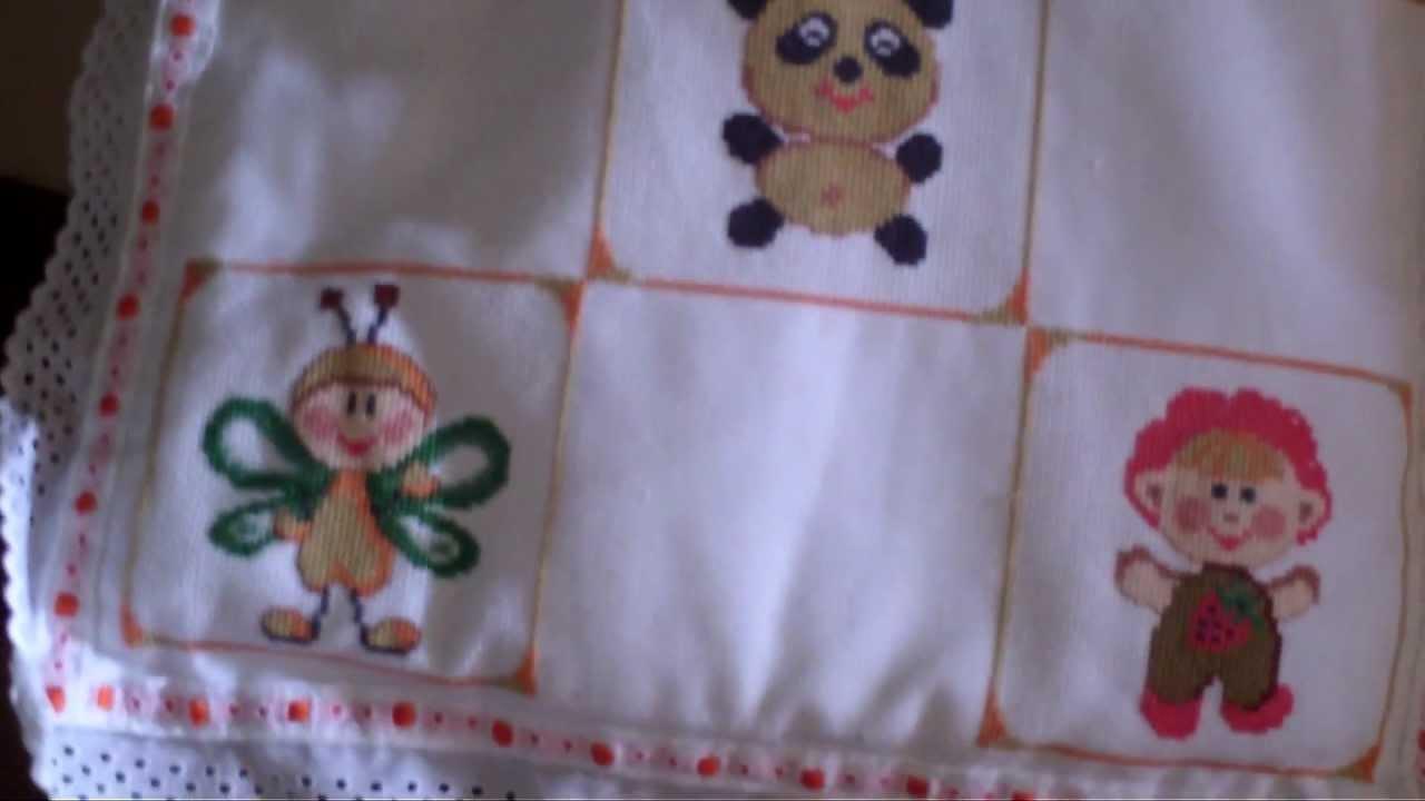 Colcha de bebe a punto de cruz y detallito de navidad - Muestras y motivos punto de cruz ...