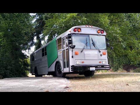 Parking a school bus conversion (Tiny house)