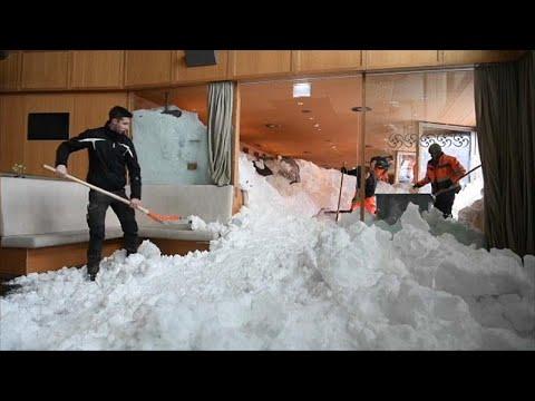Avalanche de neve atinge hotel na Suíça
