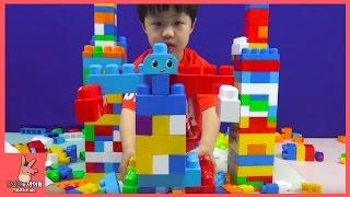 메가블럭 1000개 로봇 자동차 집 만들기 도전 (귀요미 유니 선물) ♡ 어린이 블럭 장난감 놀이 Mega bloks Car Making | 말이야와아이들 MariAndKids