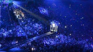 Justin Bieber - crowd singing [Justin/Beliebers]