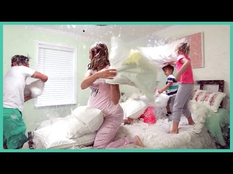 HUGE FAMILY PILLOW FIGHT!