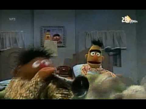Bert ernie dans mezelf in slaap youtube for Dans youtube