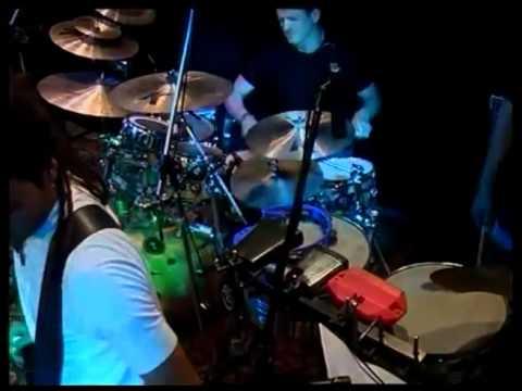 Argentina el baterista del grupo de rock arbol coge a una fan - 3 2