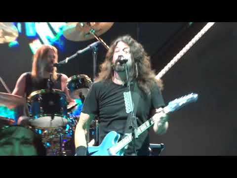 Foo Fighters - Intro + Run (Live Porto Alegre 04/03/18)(FULL HD)