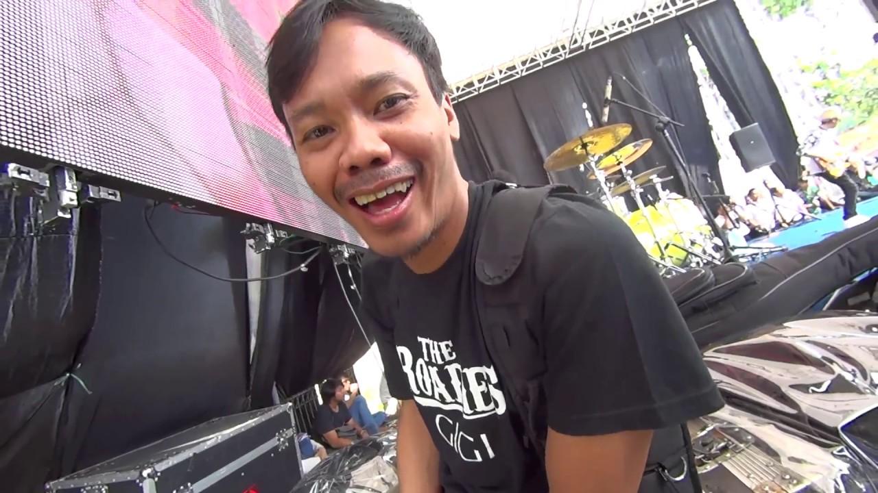 Black t shirt tambah lagi -  Gigivlog Manggung Lagi Sepulang Ibadah Haji