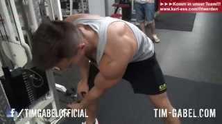 hintere Schulter aufbauen - Kabelzug-Training mit Karl Ess - TIM-GABEL.COM