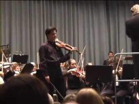 Violin Virtuoso Stefan Tarara plays Paganini La Campanella